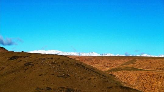 Jebel Sirwa sur fond des montagnes du Toubkal