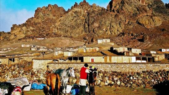 Jebel Sirwa. Nuit au village de bergeries d Irhiri