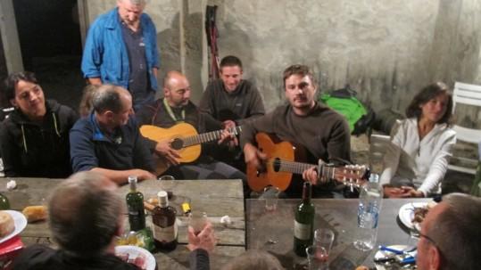 Soirée chants et guitare. L'esprit montagne
