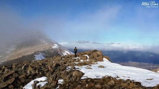 Sur les crêtes de Punta Artica, Monte Cintu en toile de fond