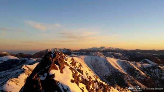 Vue sur tout le massif Sud de la Corse et le GR20