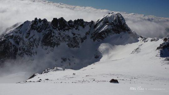 GR20 Nord - Montée vers E Ghjarghje Rosse -Pointe des Eboulis sous la neige