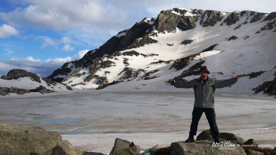 Daniel au lac de Bastani