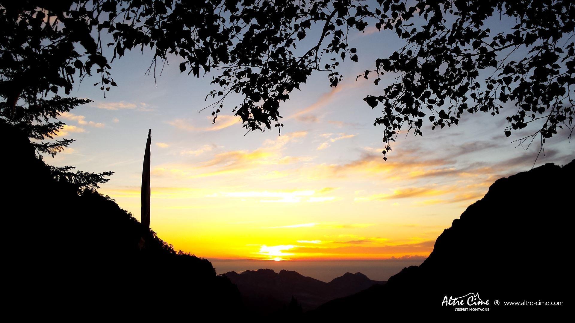 [GR20 Nord] Coucher de soleil du refuge de Carrozzu