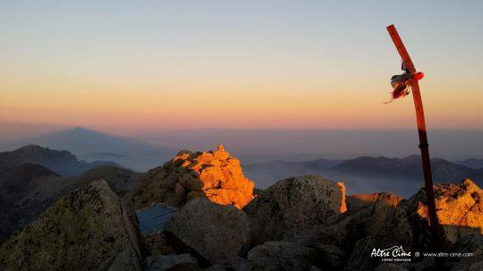 [Randonnée Corse] Coucher de soleil du sommet du Monte Ritondu