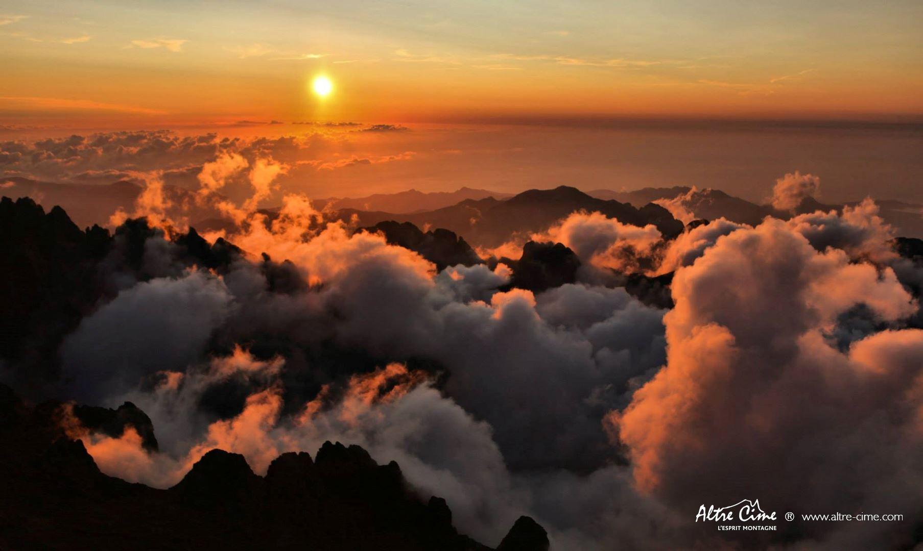 [Randonnée Corse Sauvage] Coucher de soleil au sommet