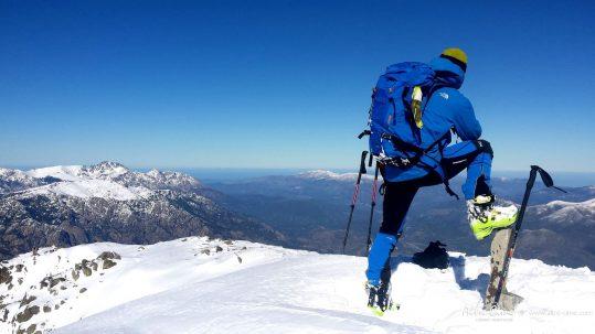 [Ski de randonnée Corse] Mer en toile de fond