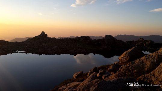[GR20 Sud - Les Plus Beaux Treks] Lever de soleil au lac de Bastani