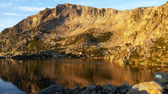 [GR20 Sud] Lever de soleil au lac de Bastani