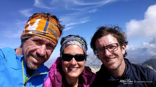 [GR20 Sud - Les Plus Beaux Treks] L'équipe de tournage au sommet du Renosu