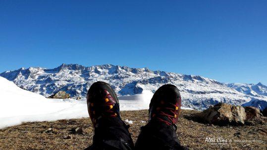 [Raquettes à neige Belledonne] Face à l'Alpe d'Huez et aux Grandes Rousses
