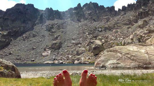 """[GR20_Nord] Une vraie pause """"fille"""" au Lac de Vettaniella"""