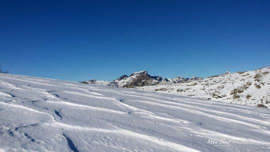 [GR20 Nord Hiver] Paglia Orba et Capu Tafunatu vus de Ninu