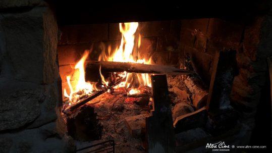 [GR20 Nord Hiver] Soirée au coin de la cheminée aux bergeries de Vaccaghja